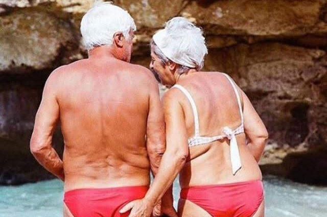 quel voyageur êtes-vous: maillot de bain de dos