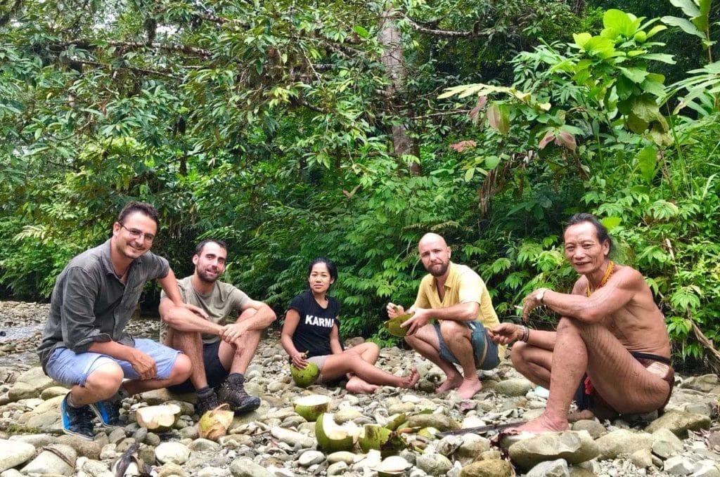 Voyage-entre-amis-Mentawai-Indonésie-Emilie-Sancho