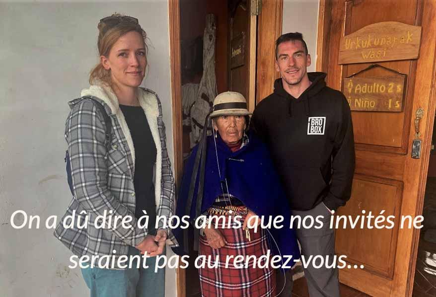David et Alice avec une vieille dame en Equateur on a besoin de vous