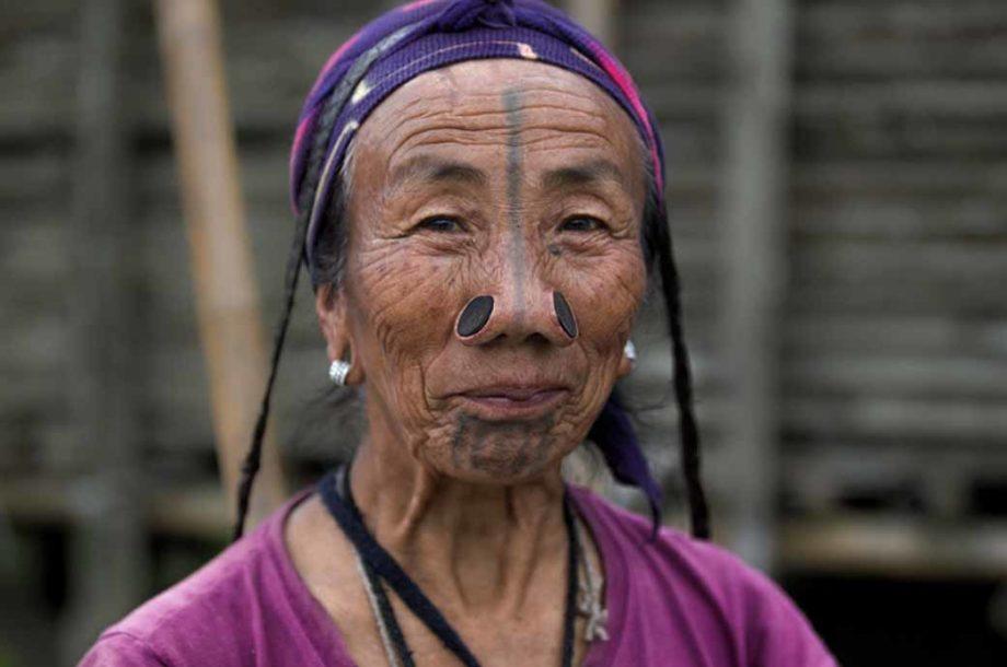 Peuples Racines femme Apatani en Inde