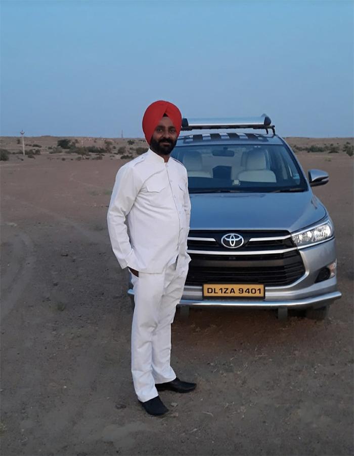 Bhupinder Singh chauffeur en Inde